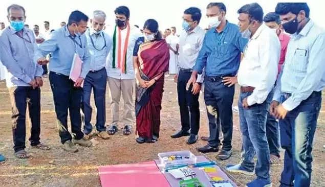Kanimozhi resumed excavations at Adichanallur